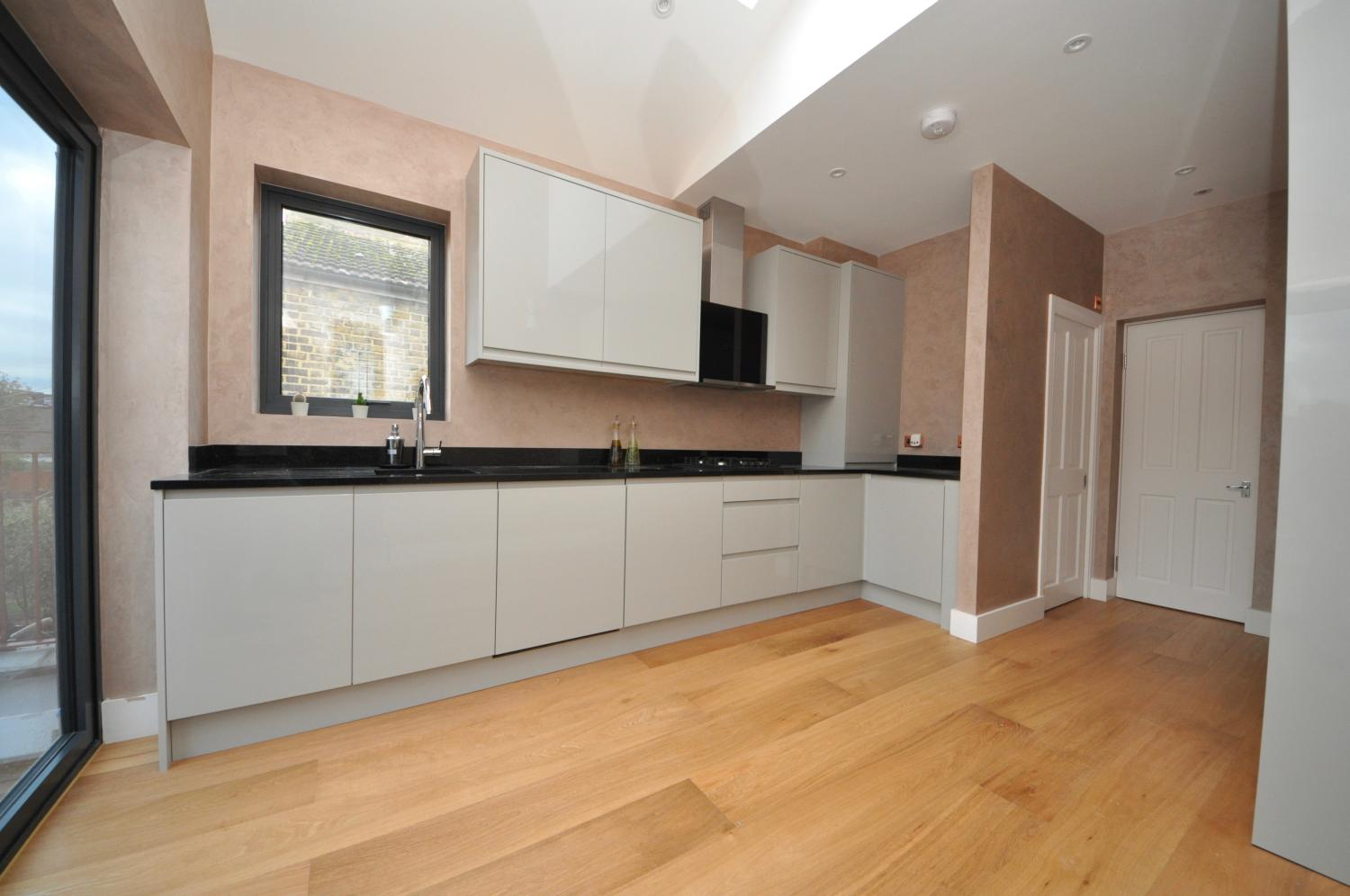 Kitchen Extension In Collieru0027s Wood South West London